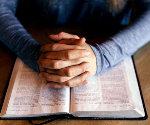 Oraciones para rezar en menos de un minuto